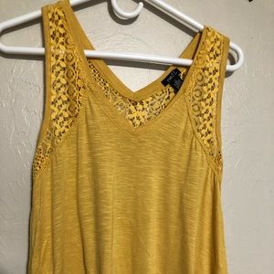 3/$10 Rue 21 tank size small